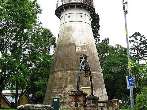 古老风车旅游景点图片
