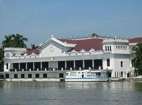 马拉坎南宫的图片
