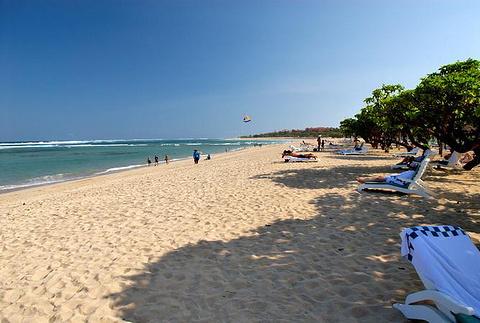 沙努尔海滩