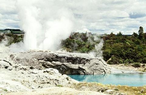 华卡雷瓦雷瓦地热保护区