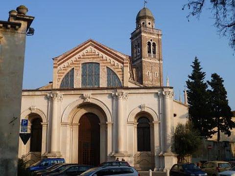S. Maria in Organo旅游景点图片