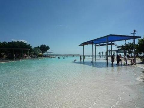 凯恩斯公共游泳池旅游景点图片