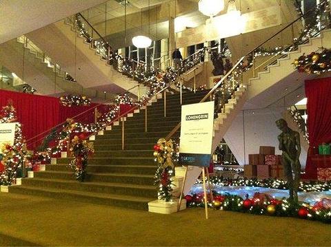 洛杉矶歌剧院
