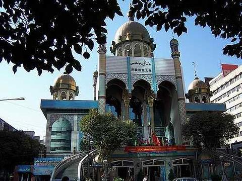 汗腾格里寺