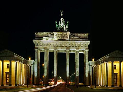 勃兰登堡门和巴黎广场旅游景点图片