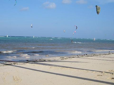 布拉波海滩旅游景点图片