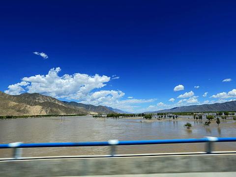 雅鲁藏布江旅游景点图片