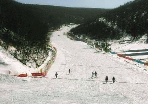 西北高原滑雪场