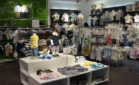 H&M(朗豪坊店)