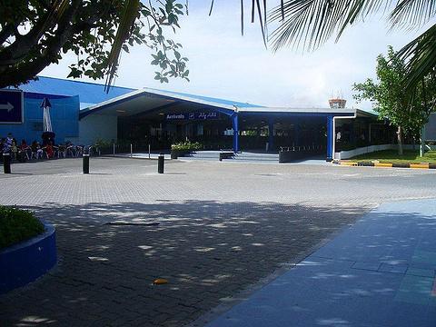 易卜拉欣纳西尔国际机场的图片