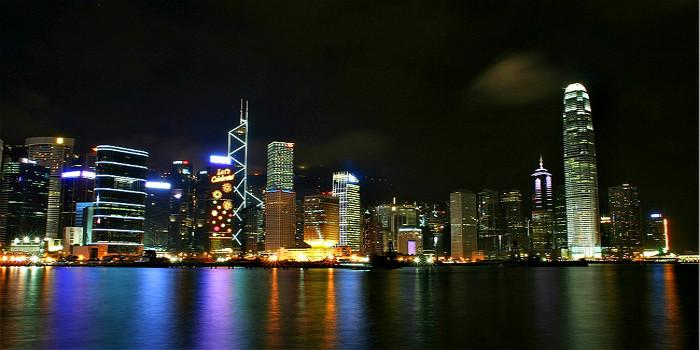 """五日游遍""""老港片儿""""里的怀旧香港"""