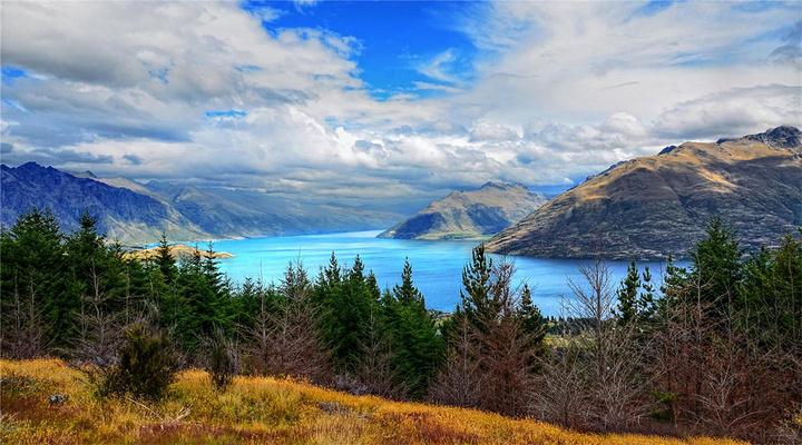 瓦卡蒂普湖旅游图片