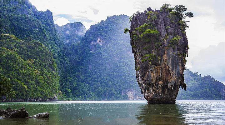 泛舟攀牙湾旅游图片