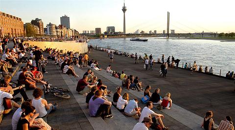 莱茵河畔Rhein