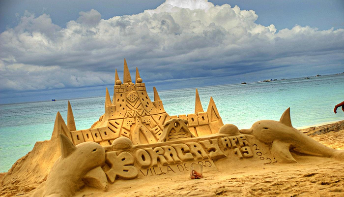 海滩沙雕旅游图片