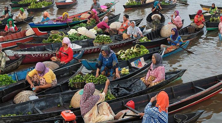 安帕瓦水上市场旅游图片