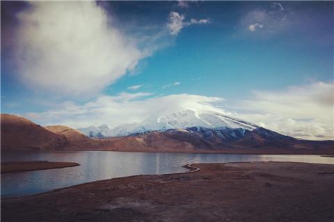 卡拉库勒湖