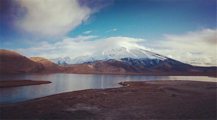 冰山之父的脚下旅游图片
