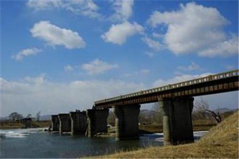 凉水断桥的图片