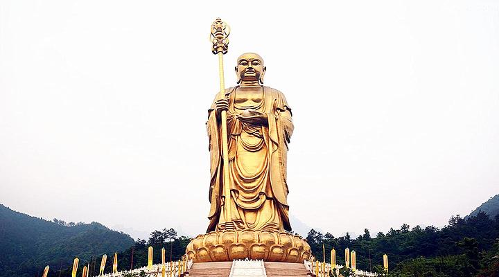 地藏菩萨露天铜像旅游图片