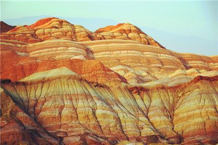 石壁丹霞,是祁连山留给张掖的【油画】