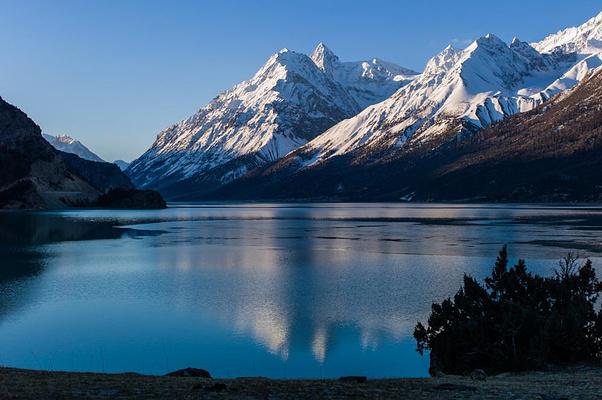 然乌湖旅游图片
