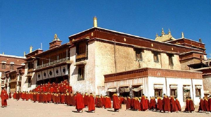 强巴林寺旅游图片