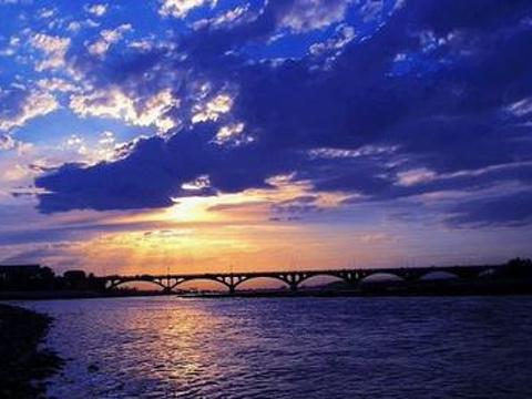 伊犁河大桥旅游景点图片