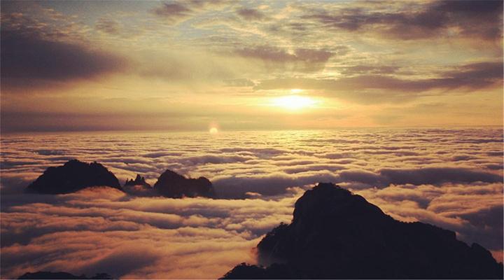 天都峰来观云海旅游图片