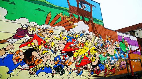 随处可见的漫画墙