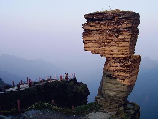 蘑菇石旅游图片