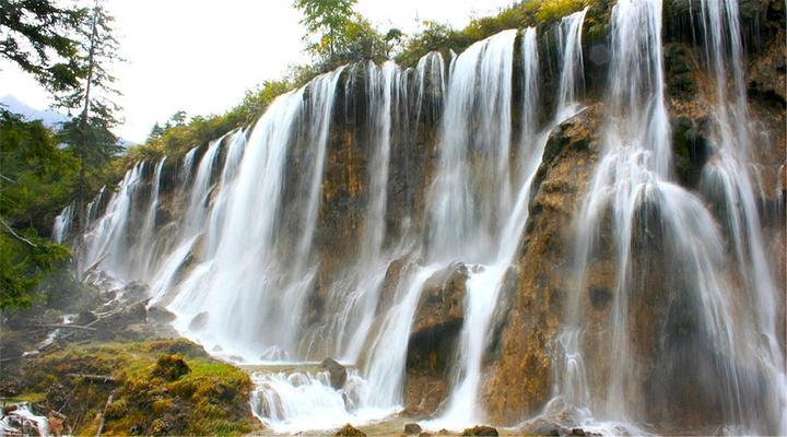 诺日朗瀑布旅游图片