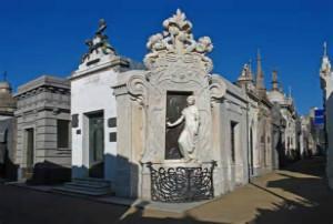 雷克莱塔贵族墓园