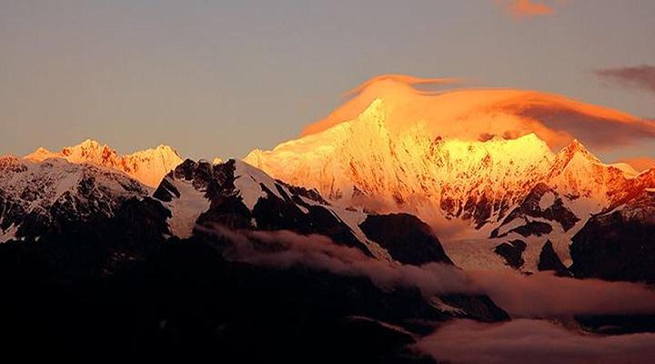 梅里雪山旅游图片