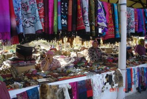 冲乎尔镇旅游农贸市场