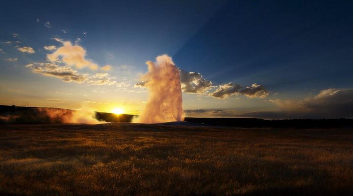 老忠实喷泉旅游图片