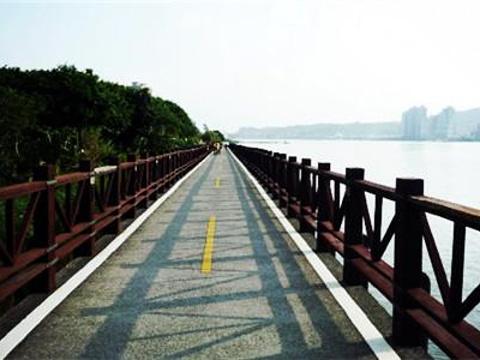 金色水岸自行车道旅游景点图片