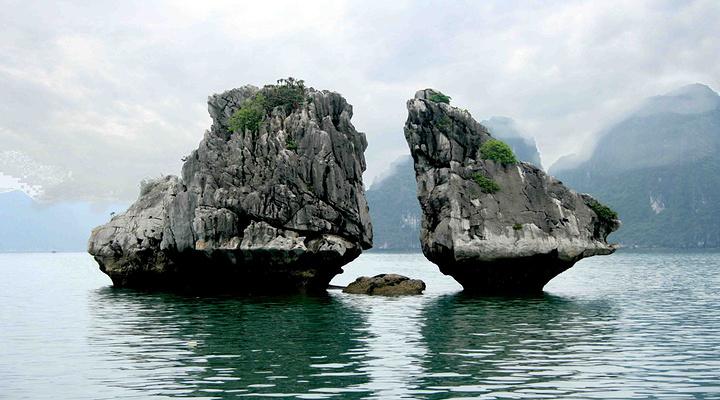 斗鸡石旅游图片