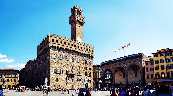市政厅广场旅游图片