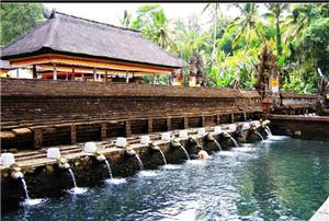 乌鲁瓦图神庙
