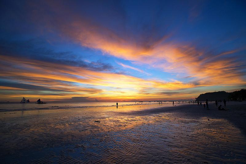 白沙滩日落