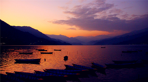 费瓦湖Fewa Lake