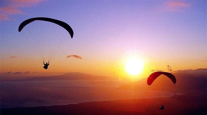 滑翔伞旅游图片