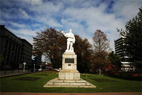 斯科特雕像