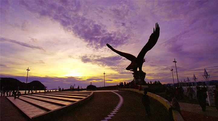 巨鹰广场旅游图片