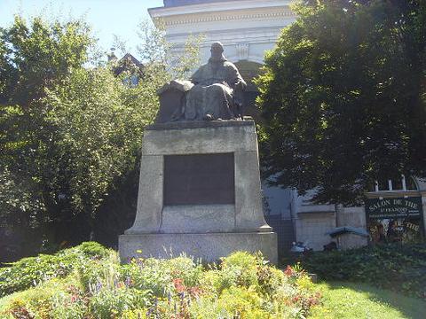卢梭故居纪念馆