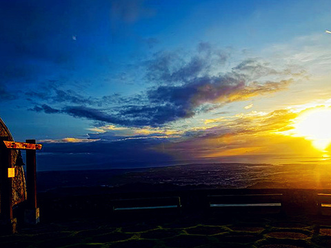 布塞山观景台旅游景点图片