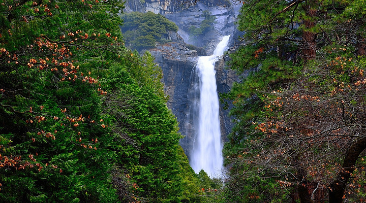 优胜美地瀑布旅游图片