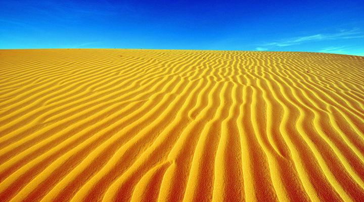 红沙丘旅游图片