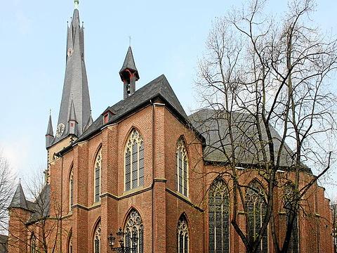 圣阿波利斯神龛的教堂旅游景点图片